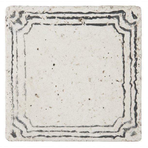 Kakkel med sort mønster
