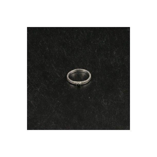 Børstet fingerring sølvbelagt med sort onyx